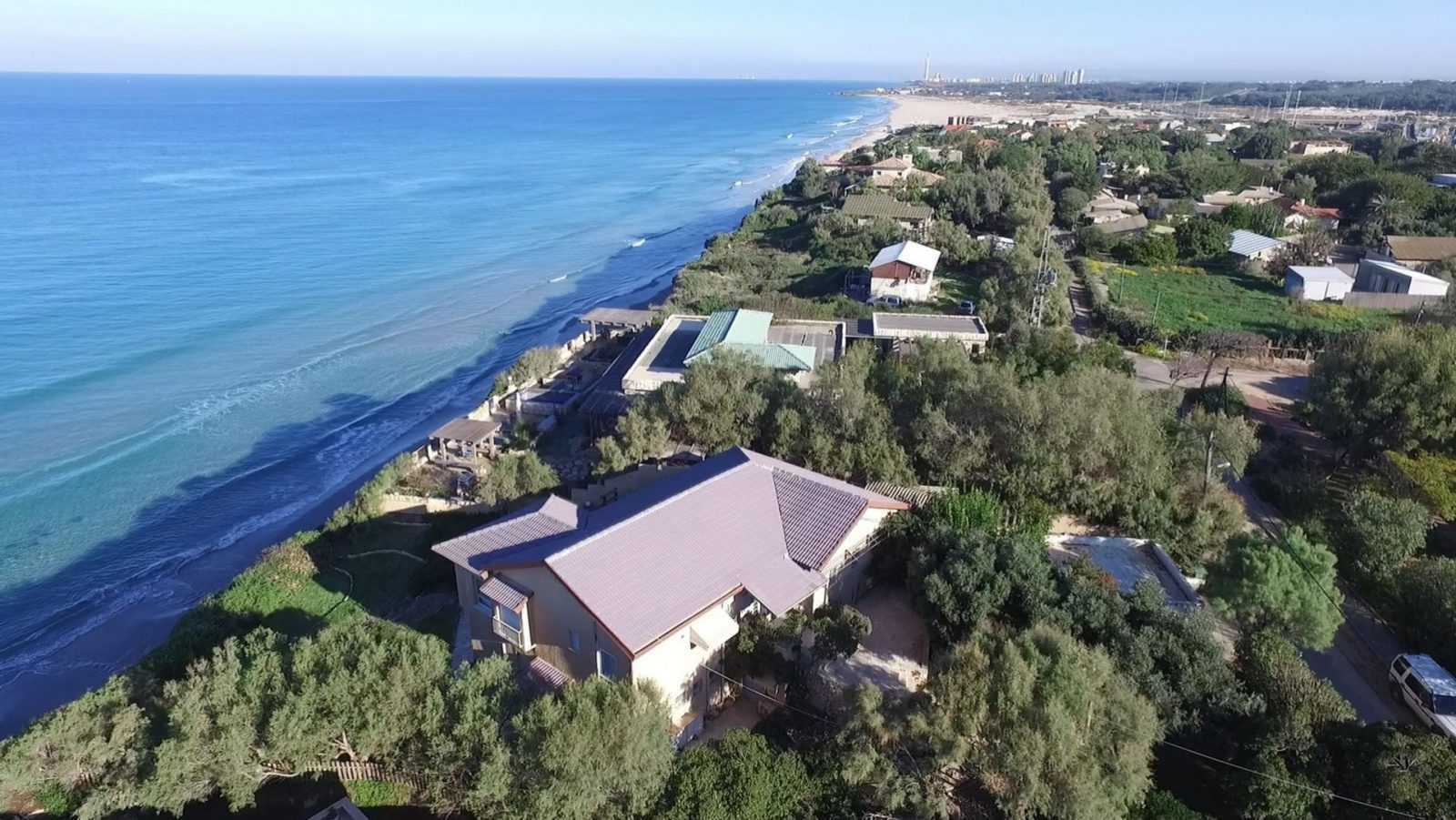 Beachfront-Property-for-sale-in-Israel-Bet-Yanai-M