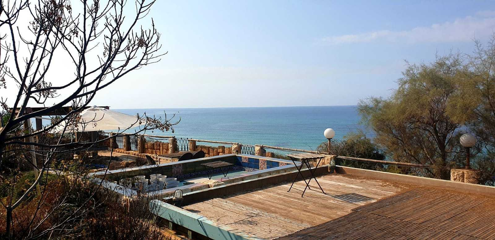 Beachfront villa for sale in Israel - Bet Yanai