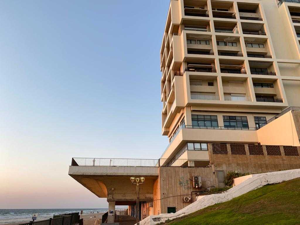 Herzliya beachfront apartment Migdal Hatzuk