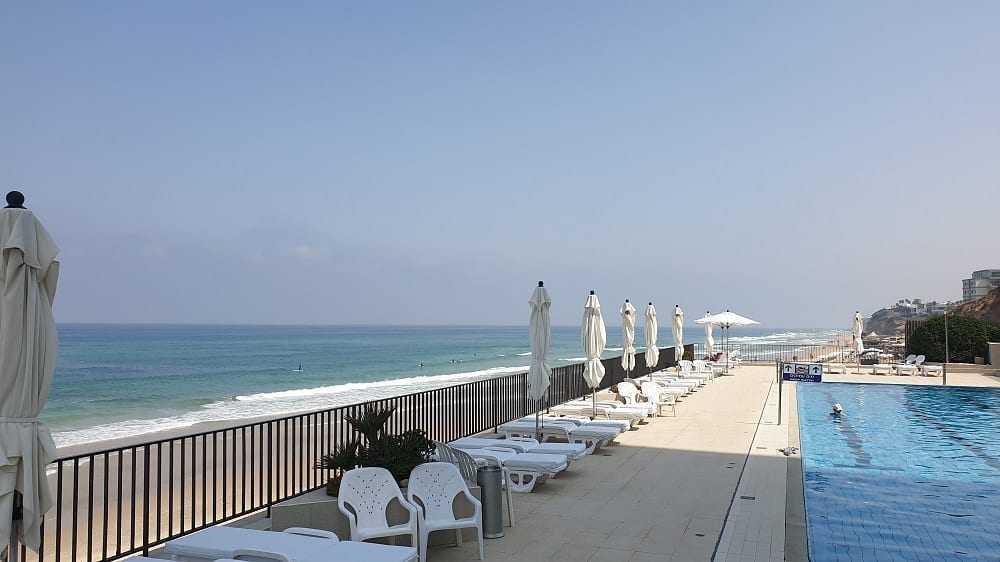 דירה על קו החוף עם נוף לים בהרצליה פיתוח